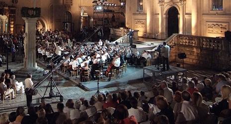Operni gala - Zagrebačka filharmonija, dirigent Ivan Repušić, solisti: Nadja Michael, sopran, Zoran Todorovich, tenor, foto: Damil Kalogjera, www.dubrovnik-festival.hr