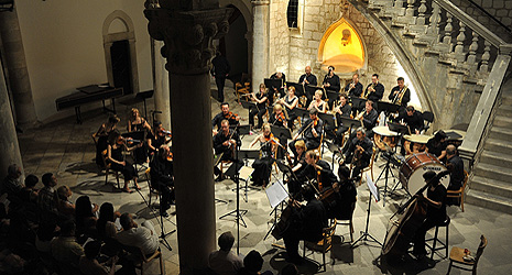 Simfonijski orkestar HRT-a, dirigent Mladen Tarbuk, foto: Damil Kalogjera, www.dubrovnik-festival.hr