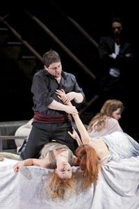 Boaz Daniel (Don Giovanni); Opera u Grazu, Wolfgang Amadeus Mozart, Don Giovanni, red. Johannes Erath, dir. Hendrik Vestmann, foto: Werner Kmetitsch, www.buehnen-graz.com/oper