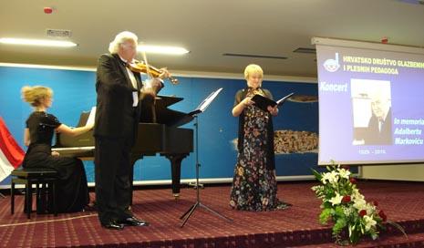 Violinist Tonko Ninić, violina, i Lana Bradić, klavir, na koncertu na Svečanom obilježavanju 60. obljetnice HDGPP-a