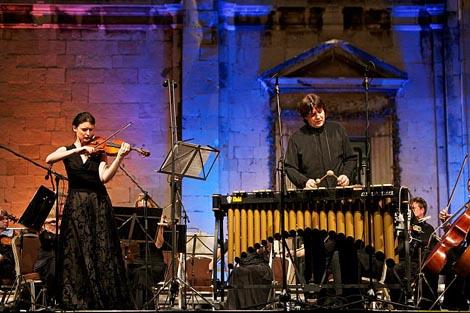 Jana Ozolina, violina, i Andrei Puskarev, vibrafon i Kamerata Baltica