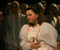 Magyar Állami Operaház (Mađarska državna opera), Budimpešta: Leoš Janáček, Jenůfa, dirigent János Kovács, redatelj Attila Vidnyánszky; Anja Silja (Kostelinčka) i Éva Bátori (Jenufa), foto: János Vajda