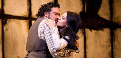 The Metropolitan Opera New York: Giacomo Puccini, La Bohème, red. Franco Zeffirelli, dir. Nicola Luisotti