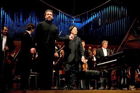Lovro Pogorelić i Muhai TANG NA koncertu Zagrebačke filharmonije 6. svibnja 2011.