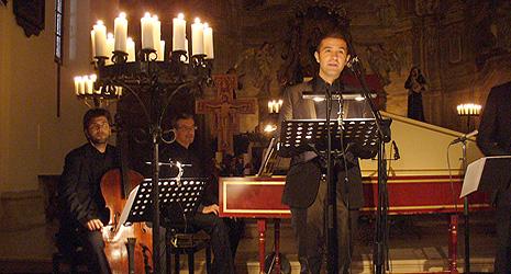Max Emanuel Cenčić i anasambl Ornamente 99, Franjevačka crkva, Samobor, 3. listopada 2009., foto: www.samoborska-glazbena-jesen.com