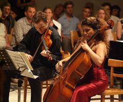 Stefan Milenkovich (violina) i Ani Aznavoorian (violončelo), foto: Damil KAlogjera (www.dubrovnik-festival.hr)