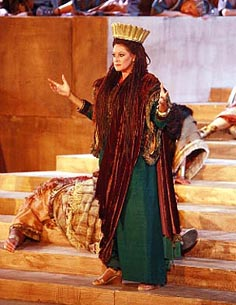 Chiara Taigi (Abigaille); Festival umjetnosti u Taormini, Giuseppe Verdi, Nabucco, dir. Pier Giorgio Morandi, red. Enrico Castiglione