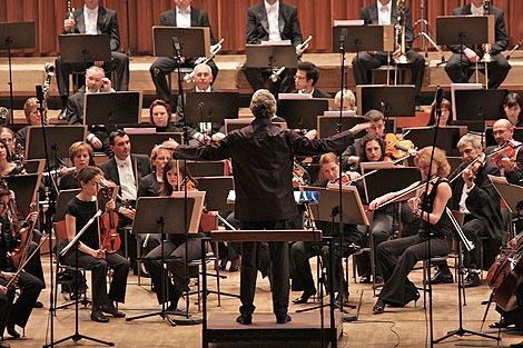 Simfonijski orkestar Hrvatske radiotelevizije i dirigent Luca Pfaff