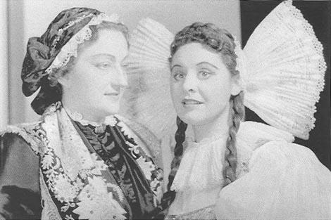 Georgine von Milinković (Đurđa Milinković) (Kata) i Sena Jurinac (Marica) – Bedřich Smetana, Prodana nevjesta, Bečka državna opera, 1951.