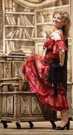 JAna Kurucova (Rosina), Hrvatsko narodno kazalište u Splitu: Gioacchino Rossini, Seviljski brijač, dir. Ivan Repušić, red. Plamen Kartaloff (Koprodukcija sa Slovenskim narodnim gledališčem iz Maribora)