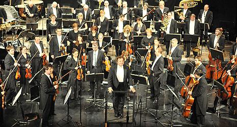 Simfonijski orestar Hrvatske radiotelevizije i maestro Mladen Tarbuk, arhivska fotografija