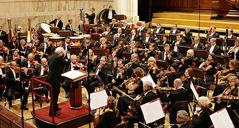 Antoni Wit i Varšavska filharmonija, foto: J. Deluga-Góra, www.filharmonia.pl